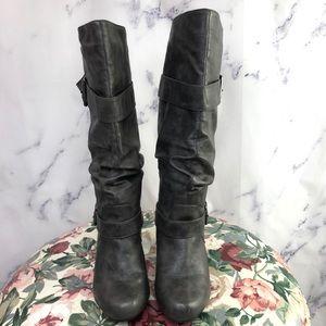 "Madden Girl ""Partial"" Boots Grey Sz 9"